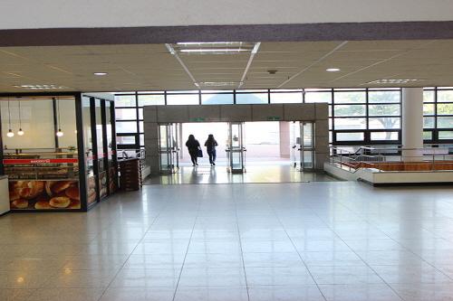 학생회관 1층로비 사진