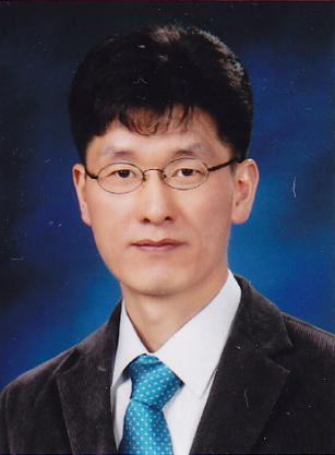 엄광문 주임교수님 사진