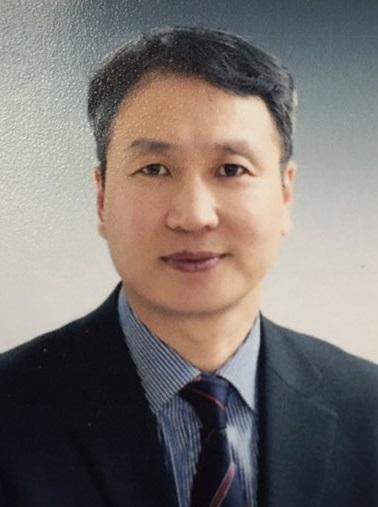 김성현 주임교수님 사진